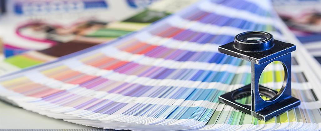 Как подобрать цвет сумки к одежде, фото