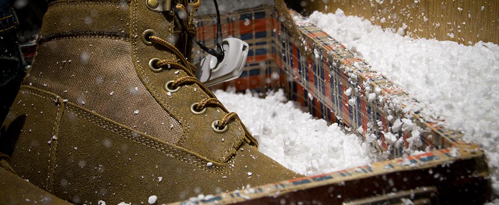 Как растянуть зимнюю обувь?