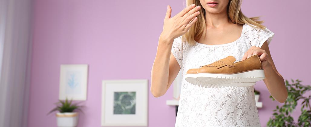 Как убрать запах из обуви в домашних условиях?