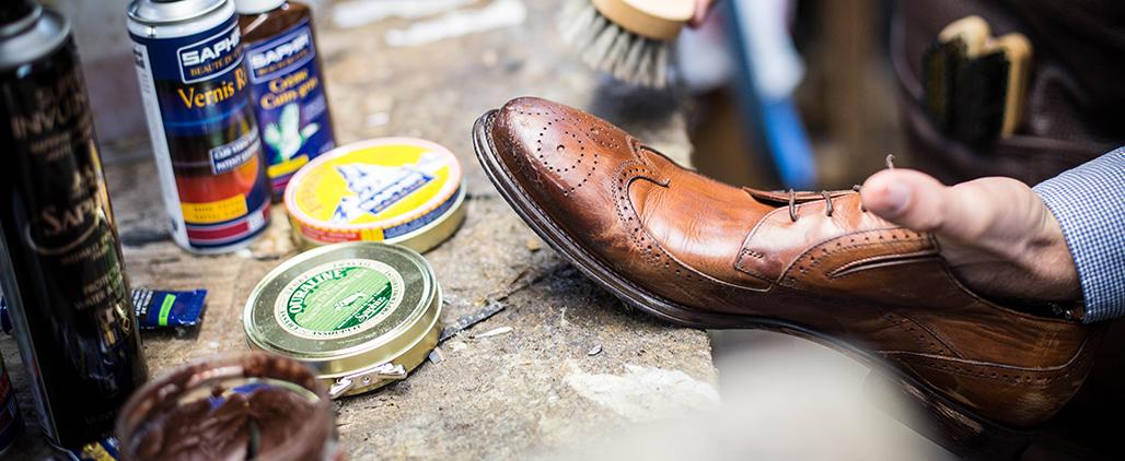 Как наносить на обувь крем
