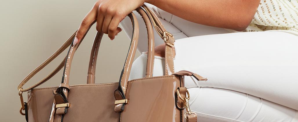 c чем носить лаковую сумку